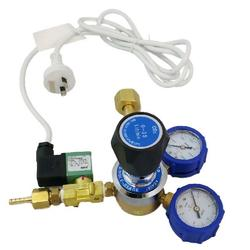 CO2 Regulator Kit with Dual Dials and Solenoid Switch